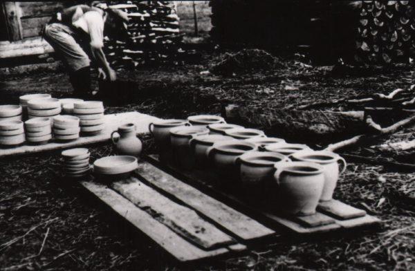 105 A.F. Etnografia, Wyrób ceramiki, Kołaczyce 1935 r.