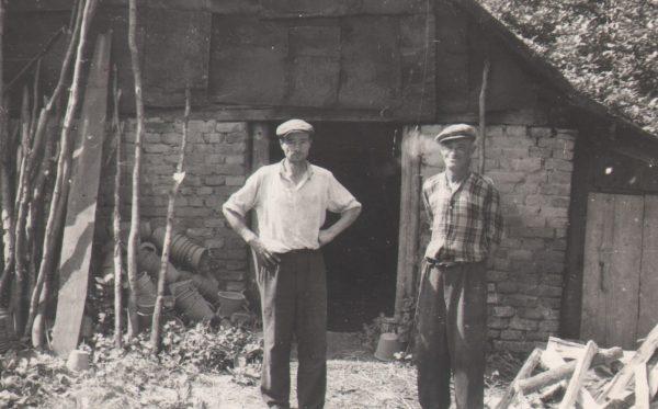 62 A.E. Etnografia, Garncarze Stanisław Śliwiński i Józef Chmura z Kołaczyc